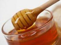Українці можуть їсти мед кілограмами