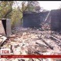 На Житомирщині батьки забули у охопленій вогнем хаті 3-річного сина. ВІДЕО