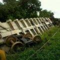"""Страшна аварія поїзда в Мексиці: вагони """"Звіра"""" зійшли з рейок, розчавивши людей. ФОТО"""