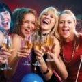 Налягання на алкоголь в юності з роками жінкам загрожує розвитком раку