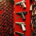 В Україні хочуть продавати всім вогнепальну зброю, а травматичну – заборонити