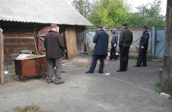 На Житомирщині жахливе вбивство: юнак вбив вітчима. ФОТО