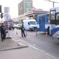 В Житомире на пешеходном переходе маршрутка сбила двух девушек. ВИДЕО