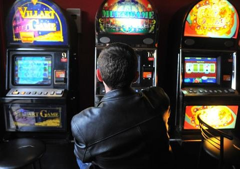 Киевляне тратят в подпольных казино по 100 миллионов гривен в месяц