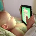Врачи рассказали, почему детям нельзя играть на планшетах и смартфонах