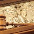 Азарова вже збираються судити - за тією ж статтею, що й Тимошенко