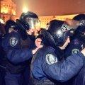 Вісім генералів офіційно виступили проти Януковича