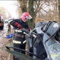 На Житомирщині рятувальники деблокували тіло водія з понівеченого у ДТП автомобіля
