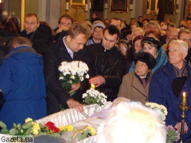З Лесею Гонгадзе попрощалися чотириста львів'ян. ФОТО