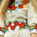 Молоді житомирянки власноруч пошили сукні у етностилі. ВІДЕО