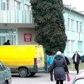 В Станішівці мати з непритомною дитиною на руках втекла з лікарні. ВІДЕО