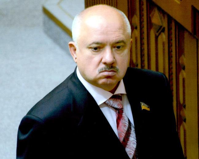 Нардеп Віктор Развадовський за прийняття законопроектів підняттям рук не голосував