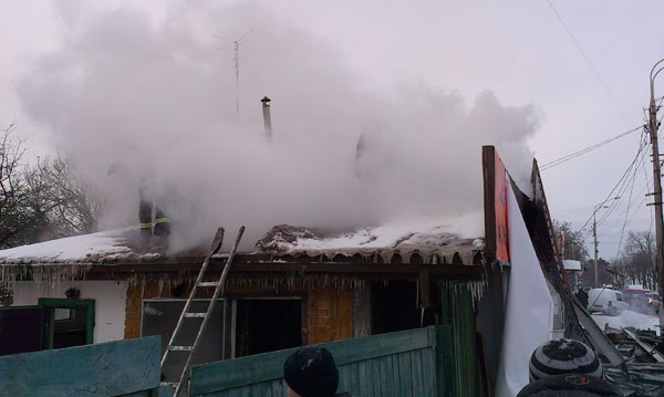 На «Сінному» ринку вибухнув приватний будинок через витік газу. ФОТО