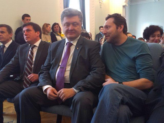 На сесію міської ради приїхали нардепи Юрій Стець, Петро Порошенко та Геннадій Зубко. ВІДЕО