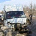 В Житомире на мосту Renault вылетел на встречную и врезался в маршрутку. ФОТО