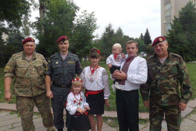 Командир Нацгвардії Андрій Тірон дякує житомирянам за підтримку та допомогу. ФОТО