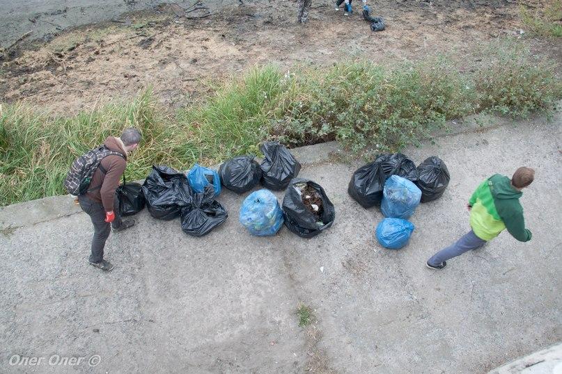 Житомиряни прибрали набережну річки Тетерів. ФОТО