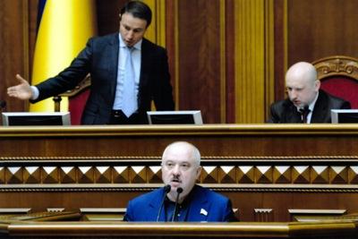 Вбивство активістів Майдану 18-20 лютого, попри загрозу розстрілу українського парламенту, зупиняв і Віктор Развадовський