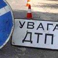 ДТП на Житомирщині: легковик врізався в дерево, постраждав пасажир