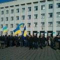 В Бердичеве около 200 людей возле ОИК протестуют против фальсификации результатов выборов