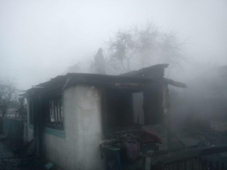 Під час пожежі в с.Кремно Лугинського району, рятувальники виявили тіло власника