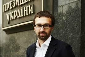 Лещенко: Турчинов шантажує Раду, комусь доведеться тікати з країни