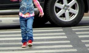 У Коростені під час масових гулянь автівка на пішохідному переході збила дитину