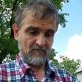 «Один за всех»: 50-летний мужчина из Житомира тянет на себе семью из трех инвалидов