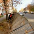 У Житомирі планують демонтувати паркан та звільнити від будматеріалів скандальну земельну ділянку по вулиці 1 Травня