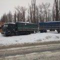 В Народичах грузовик с прицепом оказался в снежном плену
