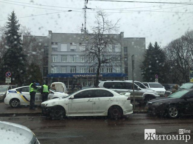 У Житомирі нова поліція працює за старими методами. ФОТО
