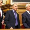 Українці продовжують утримувати колишніх президентів і спікерів