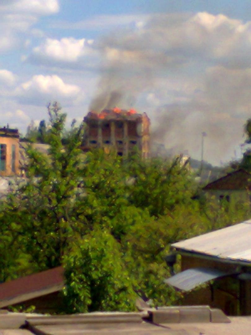 У Бердичеві горить цукровий завод. ФОТО