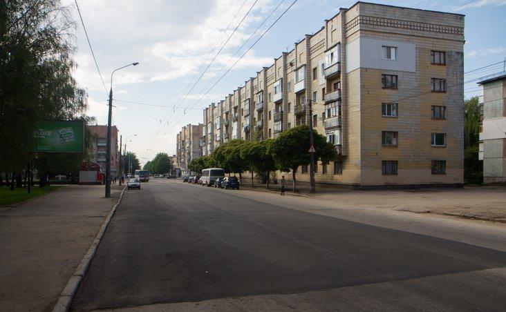 У Житомирі після ремонту на вулиці Східній будуть знімати новий асфальт і визначати винних