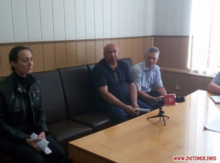 АТОшники, яким водії відмовили у пільговому проїзді, прийшли скаржитися в Житомирську облдержадміністрацію