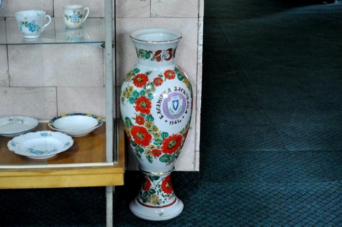 У Баранівці можна оглянути 3-метрові вази, декількалітрові та мініатюрні чашки. ФОТО