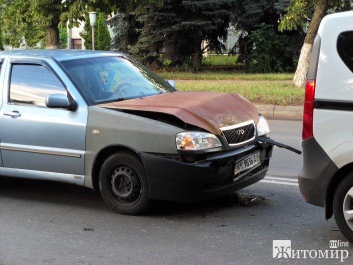 У ДТП на Крошні постраждало 5 авто