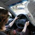 У шалену спеку водіям радять пити воду та більше відпочивати