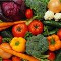 В Україні на 12% подорожчали овочі, а фрукти подешевшали на 10%