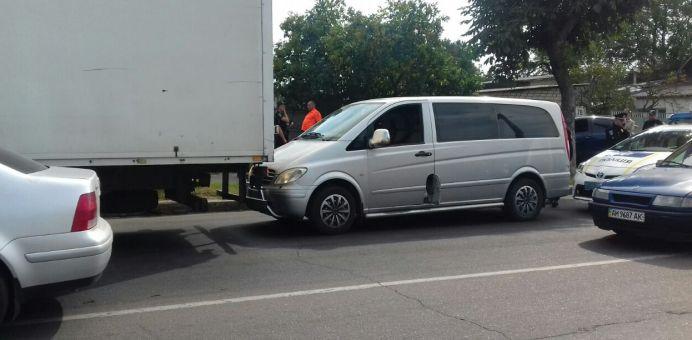 Полицейские в Житомире устроили погоню за пьяным водителем Mercedes Vito. ФОТО