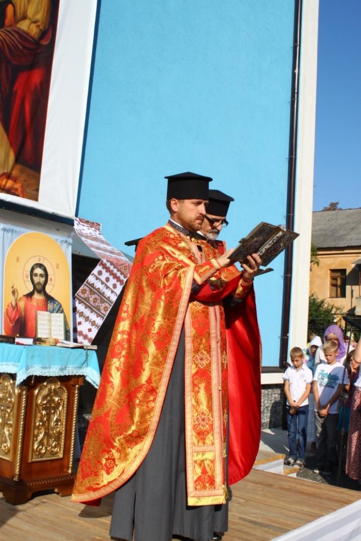 Понад 600 житомирських дітей відвідують заняття у недільній школі при Свято-Михайлівському соборі