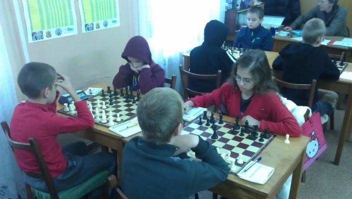 У Житомирі на чемпіонаті області із шахів серед юнаків і дівчат змагалися 73 учасники