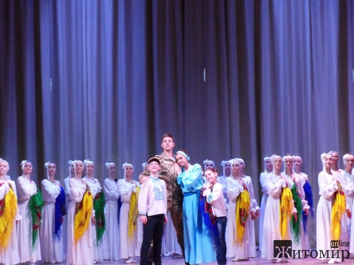 У Житомирі на благодійному концерті «Різдвяний дар» зібрали кошти на лікування 9-річного Володі Каблова