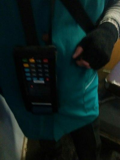 Пасажири житомирських тролейбусів вже користуються елктронними квитками. ФОТО