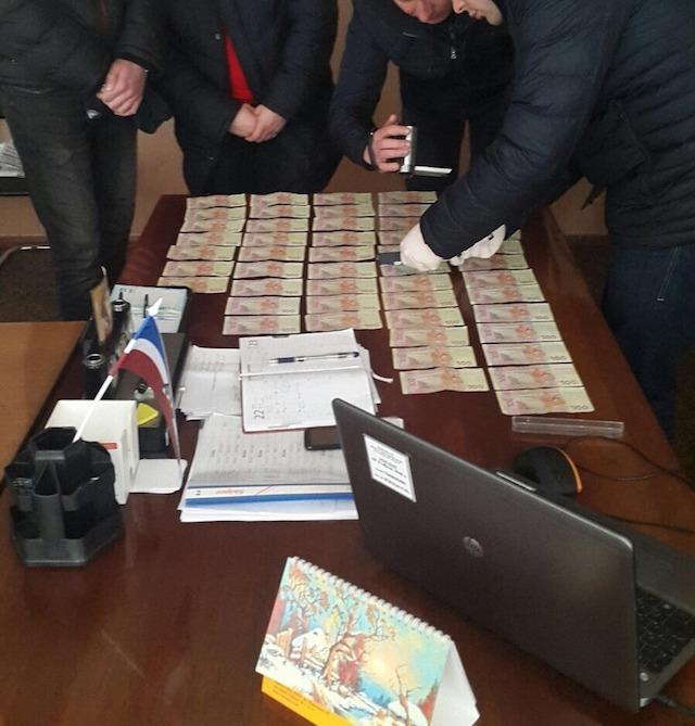 Голову Брусилівської РДА Анатолія Шишковського затримано на хабарі. ФОТО