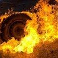 У Новоград-Волинському районі на стоянці загорілась вантажівка: водія з опіками рук госпіталізували