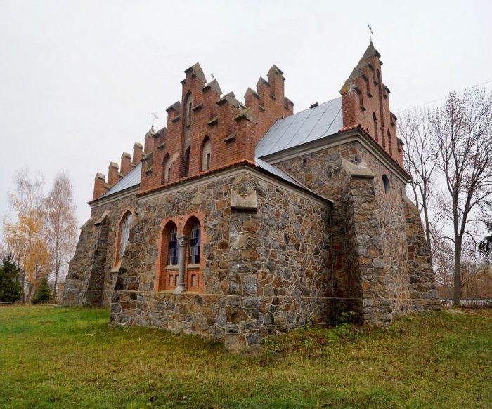 В Андрушівському районі є унікальний костьол Святої Клари, якому вже понад 100 років.ФОТО