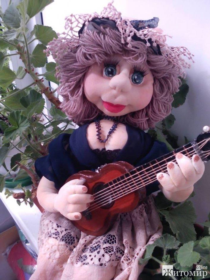 Житомирська майстриня Антоніна Кожаріна: «Створення кожної ляльки можна порівняти із народженням дитини»