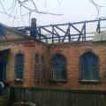 У Брусилівському районі серед ночі згорів дах будинку