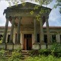 У Ружинському районі занепадає унікальна архітектурна пам'ятка – палац Корницьких